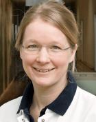 Dr. - Cara Winter - جراحة الركبة - برلين