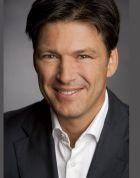 البروفيسور - هنريك شرودر بورش - المفاصل الصناعية التعويضية الداخلية - Wiesbaden
