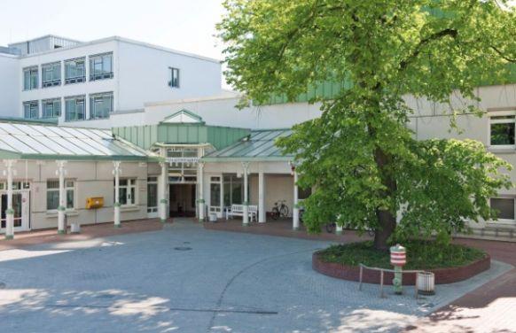 Dr. - Clemens Fahrig - مستشفى هوبرتوس البروتستانتي