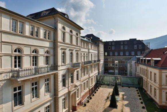 Associate - Andreas Dacho - ATOS Hospital, Heidelberg – Plastic and Aesthetic Surgery