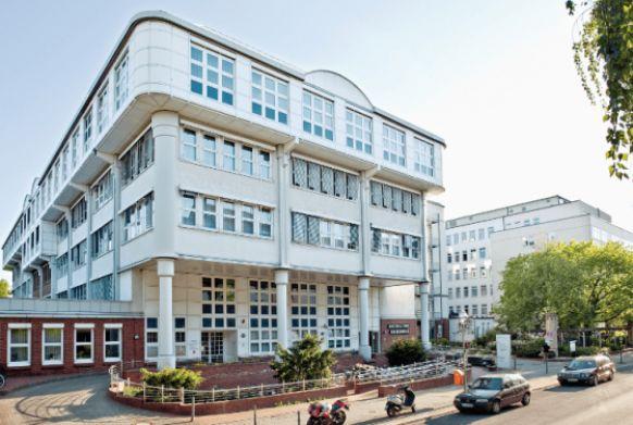 Prof. - Wolf  Petersen  - Martin Luther Hospital