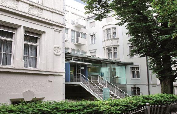 البروفيسور الجامعي - كريستيان كونتا - مستشفى أرتميد التخصصية في موينخ